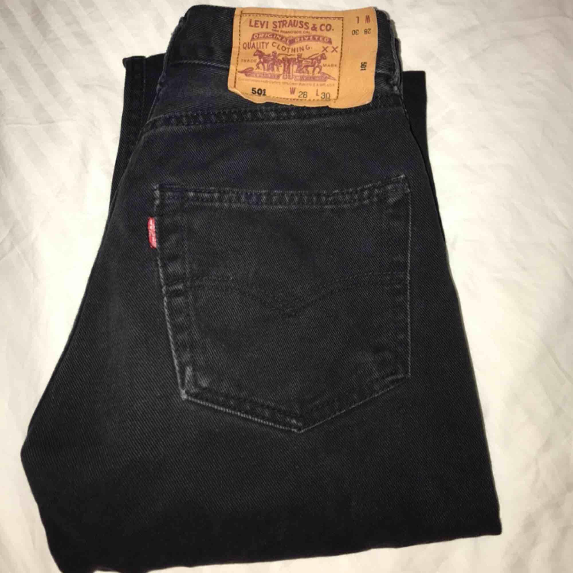 Skit snygga jeans. Har dock för många byxor och måste göra mig av med några! . Jeans & Byxor.