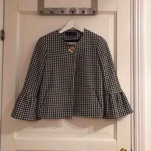 Rutig jacka från Zara i nyskick
