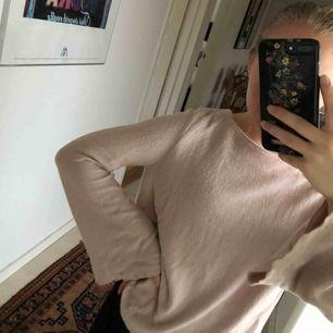 Fin rosa/beige tröja från MANGO! I fint skick🙌🏼