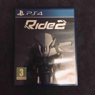 Ride 2 tv-spel till konsolen PS4. Ride 2 är ett tv-spel som är inom kategorin race:ing, frakten kostar 19kr! Nuvarande bud: 0kr Köp nu pris: 100kr