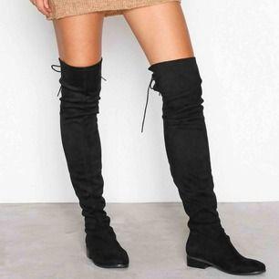 over knee boots som endast blivit använda 2 gånger, kommer från nelly!  Jag står för frakten😊 Stor i storleken, mer som en 36a!