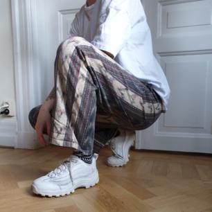 🌿 bohemiska byxor från Asos, storleken är W32 herr 🌿 50 kr + 66 kr frakt