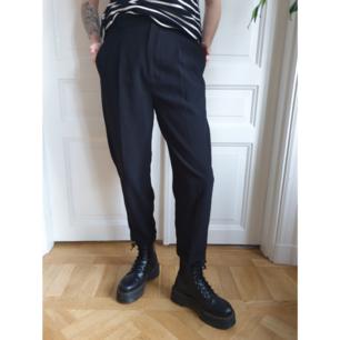 🎹 Baggy kostymbyxor från Zara  🎹 Resår i midjan  🎹 50 kr + 66 kr frakt