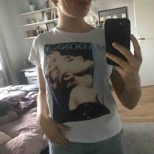 T-shirt med Madonna tryck, i gott skick😊