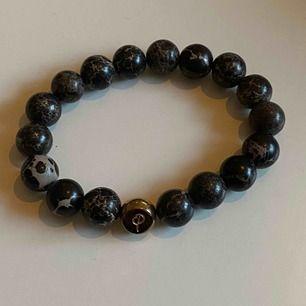 Aldrig använt armband från Edblad med kulor av marmor. Köpt för 349.