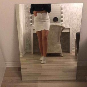vit jeanskjol från rut & circle  köpt för 399:- använd 1 gång
