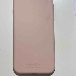 Säljer ett iPhone skal (passar till 7) från Holdit  Nypris:120kr  Tar swish! Fraktar EJ!
