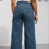 Säljer dessa snygga Ace jeans från weekday då de tyvärr inte kommer till användning💕💗💓 De är 24 i midjan men de är nästan lite stora till mig som brukar ha 25, funkar dock med skärp! :)) Pris kan diskuteras