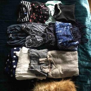 Klädpaket i storlek XS. Pälskrage (ej äkta) medföljer.  Frakt ingår i priset.