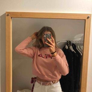 Rosa camoflage tröja från fila. Köpt i Berlin.
