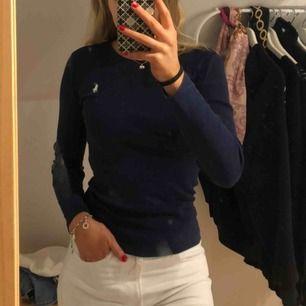 Polo Ralph Lauren tröja som knappt kommit till användning.