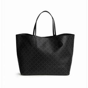 Jag säljer min Malene Birger väska som är köpt för 2000kr. Använd 1 gång.🥰