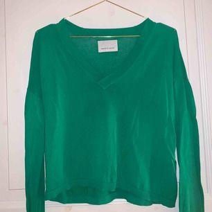 Grön långärmad tröja från samsoe samsoe i storlek xs, använd fåtal gånger och frakt tillkommer🥰