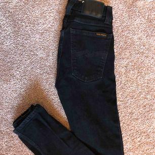 Svarta nudie jeans, i princip oanvända. Strl 25/32