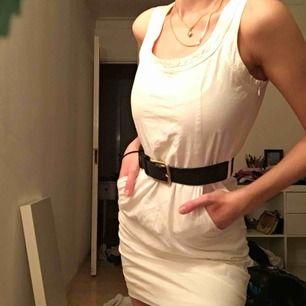 filippa k klänning! så nice verkligen men för står för mig, skärpet ingår ej