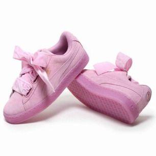 Puma skor i storlek 36, använda några gånger, jätte fint skick!