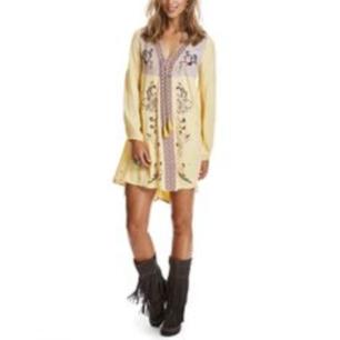 Vacker, oanvänd klänning från Odd Molly i storlek 1 dvs S  Nypris: 2.500