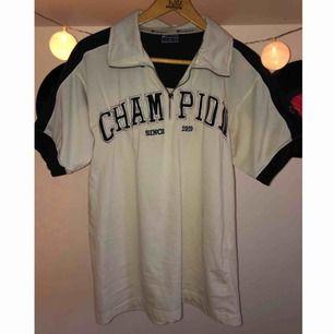 Nice piké tröja från Champion:)