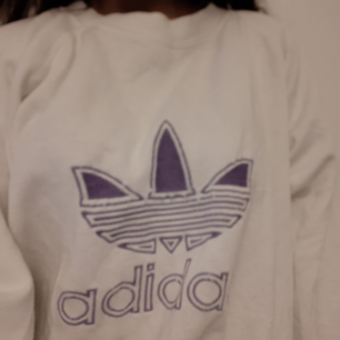 Säljer en Vintage Adidas Sweatshirt!