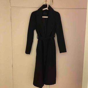Jättefin kappa från New Look i storlek 8 motsvarar storlek 34/xs. Kan mötas upp i Malmö men även frakta, köparen står då för frakten!😊