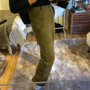 Snyggaste byxorna 😩😩 använda 1 gång och aldrig mer ;( hoppas någon annan ger de ett värdigt liv