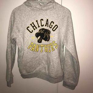 Cool hoodie från Gina