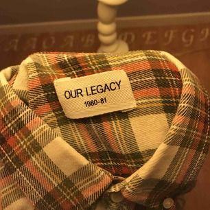 Our LEGACY skjorta, rutig Storlek S   Köparen står för frakt 63kr