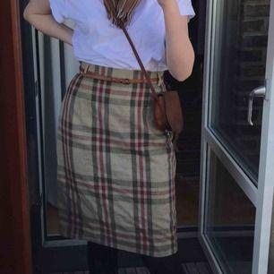 Så fin 60tals kjol som inte används🧚♀️🧚♀️ möts i Stockholm eller fraktar för 42kr
