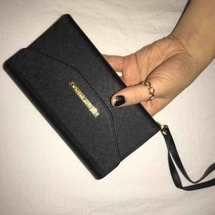 Plånbokskal från idealofsweden till iPhone 7 Plus iPhone 8 Plus