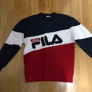 Fila sweater One sized but fits like a medium Barely worn, 8/10 condition