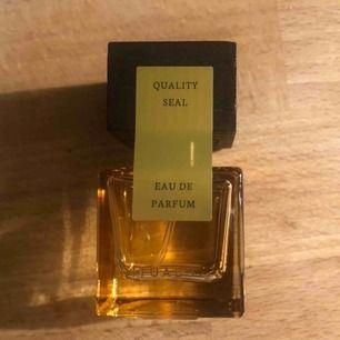 Nyaste parfymen från Rituals, i deras reseformat.  En parfym som ändrar doft beroende på din hudton, perfekt att ha under din riktiga parfym.