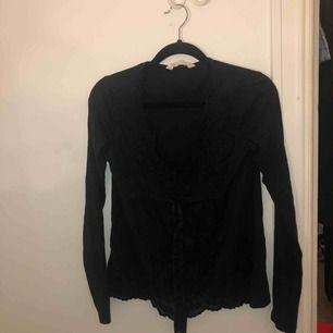 Fin svart blus i bra material från märket odd Molly tröja köpt på butiken, aldrig använd💋🌸