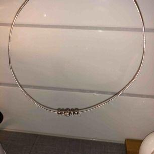 Halsband i äkta silver 925 🌟 Fint skick 49 kr 📬Kan skickas mot fraktkostnad(11kr)