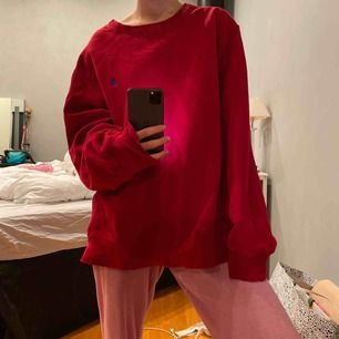 Supernice oversized Ralph Lauren sweatshirt!! Även vintage;) ganska sliten men de klär den😍