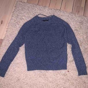 Fin stickad tröja från Vero Moda! Knappt använd, nyskick. Mängdrabatt vid fler köp av mina kläder!