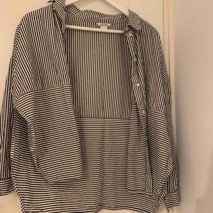 Skjorta från Monki