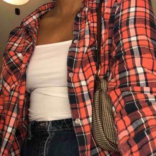 Snygg skjorta som jag inte använder längre❤️ hör av er för mer info