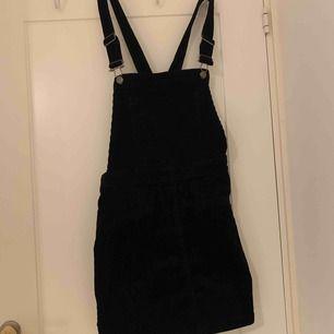 Manchester klänning från hm, sparsamt använd