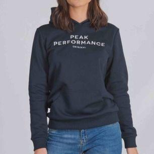 Super snygg peak performance hoodie i nyskick!💗💞pris går att diskutera och köpare står för frakt!
