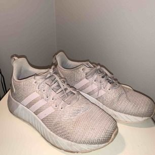 Adidas light pink shoes. Used 2 times. Pay for shipping or transport.