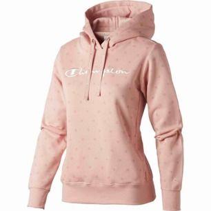 Champion hoodie storlek S, men skulle säga att den funkar som en Xs också. Säljer pga ingen användning, knappt använd så bra skick!😊