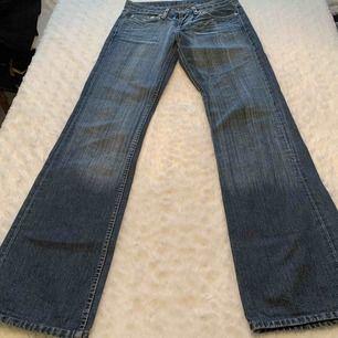 Armani jeans storlek 28