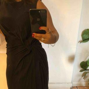 Gullig klänning i grå/blå.⭐️
