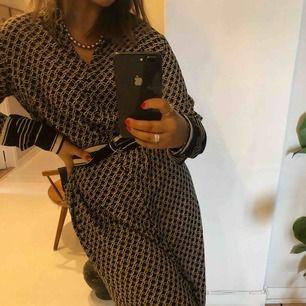 Super gullig klänning. Aldrig använd.⭐️