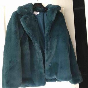 Supersnygg faux fur jacket från NAKD, dock inte min stil☺️