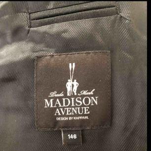 Supersnygg kavaj från Madison Avenue. Skickas mot fraktavgift eller möts upp i Göteborg 🌼