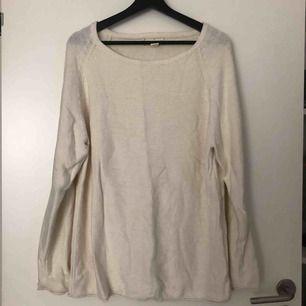 Supersnygg finstickad tröja från house of commons i fint skick. Använd 1 gång. Skickas mot fraktavgift eller möts upp i Göteborg 🌼