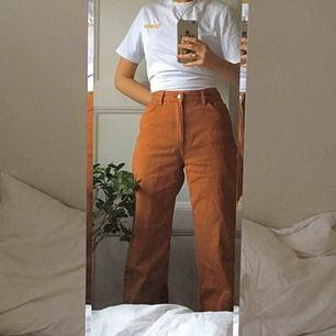 Skitsnygga monki jeans i modellen Yoko! Tyvärr för stora för mig:( topp skick använda fåtal ggr!