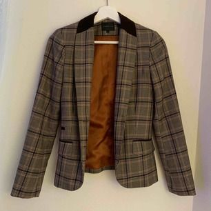 A very nice Stockholm brand blazer. Almost new, little worn