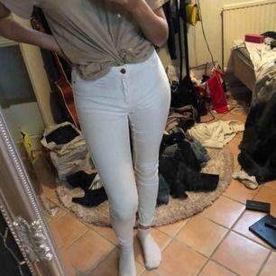 Molly jeans från Gina tricot